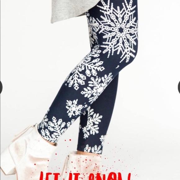 Agnes & Dora Pants - NWT Women's Let it Snow Leggings ❄️